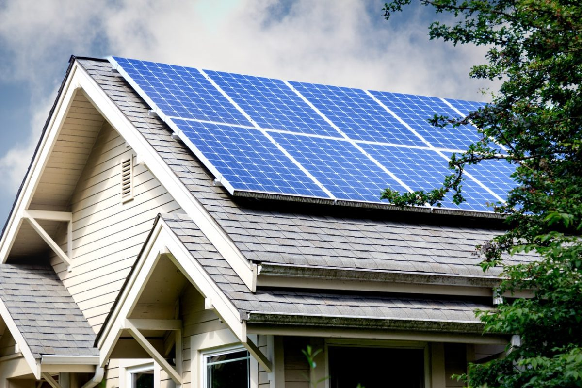 Solar Panels Are a Great Way to Reduce Your Carbon Footprint
