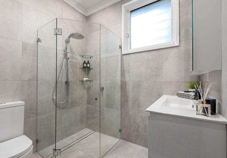 Renovating A Small Bathroom2